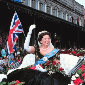 queen in carriage copy