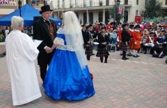Queen-witnesses-vows
